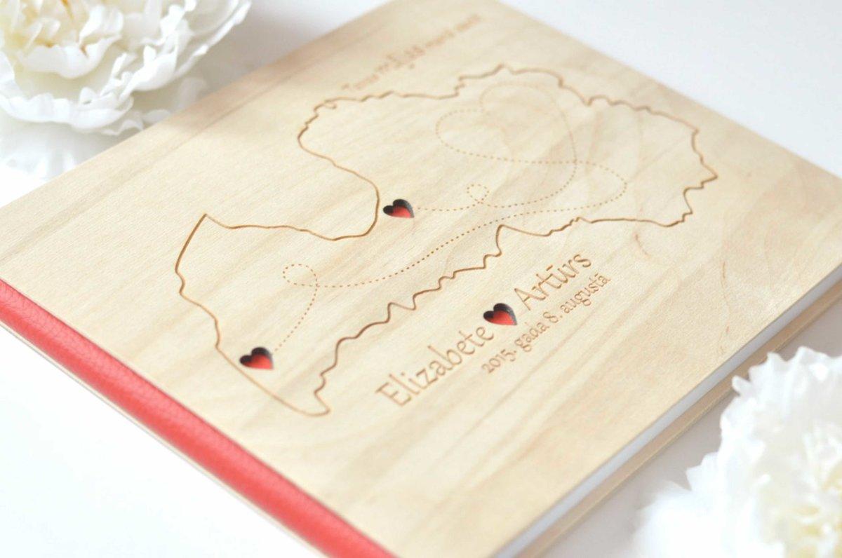 personalizēta kāzu viesu grāmata koka vākos